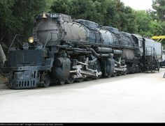 Union Pacific Challenger articulater steam engine , 4 massive steam charts 2 on each side . Big & Bag steam engine