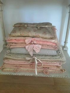 Do you love interior design and wish that you could turn your home-decorating visions into gorgeous. Romantic Cottage, French Country Cottage, Funky Lamps, Fabric Covered Boxes, Vibeke Design, Pastel House, Shabby Fabrics, French Fabric, Textiles