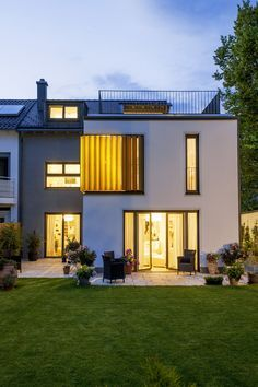 W23 - muenchenarchitektur Roof Extension, Terrace Design, Tiny House Movement, Forest House, Brick Building, House Extensions, Types Of Houses, Townhouse, Sweet Home