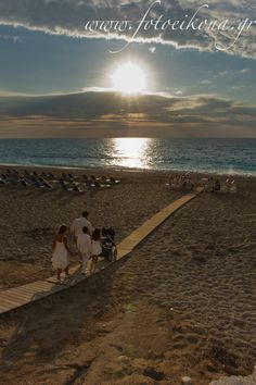 A sunset wedding photography and wedding photos Monato Kathisma #Lefkas #Ionian #Greece #wedding #weddingdestination Eikona Lefkada Stavraka Kritikos