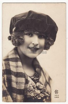 Beauty with beret, ca 1920s