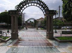 """Plaza de Aibonito """"La ciudad de las Flores"""""""