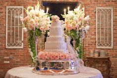 Classic Wedding Cakes, Wedding Cakes Photos by Evin Photography, LLC - Image 14 of 16 - WeddingWire