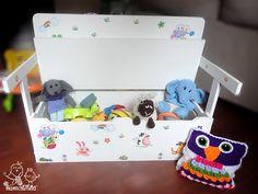 BRICOLAJE: CÓMO HACER UN BANCO INFANTIL CON BAÚL DE ALMACENAJE CONVERTIBLE EN ESCRITORIO