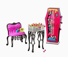 All about Monster High: Social Spots Student Lounge playset