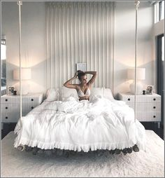 40 Amazing Floating Bed Design and Decorating Ideas For Sleeping Like In The Sky - Schlafzimmer