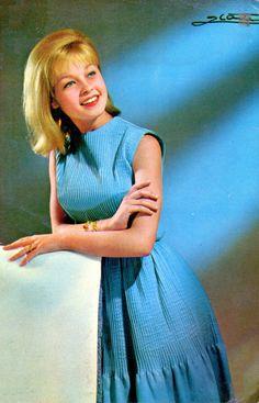 1963 Instagram, Fashion, I Like You, Singers, Style, Flowers, Moda, Fashion Styles, Fasion