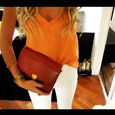 if ever I could be this tan, this blonde, and this fashionable. (: