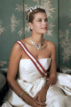 Princess Grace of Monaco- she was amazingly beautiful and elegant