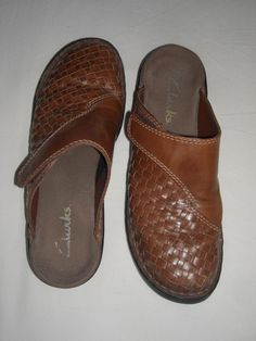 49cda1d25 Ladies Clarks Clog Style Brown Woven Leather Shoes Size 7 M Free Shipping in  USA