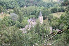 Belcastel (Aveyron, France) Le village vu depuis le château fort