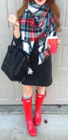 #winter #fashion / tartan scarf + red color pop