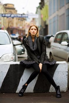 Chic street style on Elena Perminova in Moscow (via The Sartorialist). Love the dotted border. Style Casual, My Style, High Fashion, Womens Fashion, Fashion Tips, Fall Fashion, Style Fashion, Sartorialist, Russian Fashion