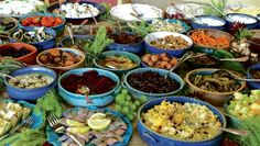 Breakfast in an Israeli Kibbutzim. Delicious and colorful. Israeli Breakfast, Pita Bread, Turkish Delight, Fries In The Oven, Holy Land, Judaism, Stuffed Green Peppers, Couscous, Beets