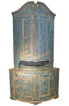 1stdibs | Huge 18th. Century Swedish Rococo Corner Cupboard