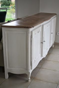 Gustave et Voltaire: My White French Buffet - note paint hardware but NOT key to…
