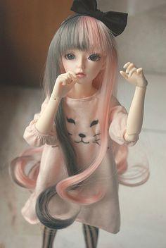 ✿• ' bjd ' ~ ' ball jointed doll ' •✿ kitty face sweater. . .two tone split hair. . .long hair. . .hair bow. . .cute. . .miniature. . .kawaii