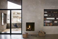 Coffee Break | The Italian Way of Design: Appartamenti mediovali a Girona - per la mia parete camino e tv