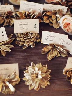 28 BEAUTIFUL AND SIMPLE DIY HOLIDAY TABLE IDEAS