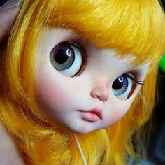 Yellow hair  blythe doll - those eyes are perfect with this hair
