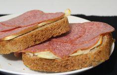 Speltti-tattarileipä leipäkoneella