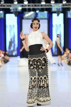 1000 Images About 1920s Gatsby Shalwar Kameez Indian Outfit Ideas On Pinterest 1920s Hair