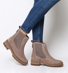 Chelsea Boots, Taupe Grey with jeans Timberland Chelsea, Chelsea Boots Outfit, Timberland Boots Outfit, Timberlands Women, Timberland Waterproof Boots, Yellow Boots, Boating Outfit, Shoe Company, Mode Outfits