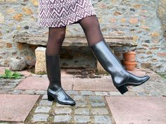 Rubber Shoes, Workwear, Rain Boots, Plastic, Legs, How To Wear, Fashion, Jelly Beans, Moda