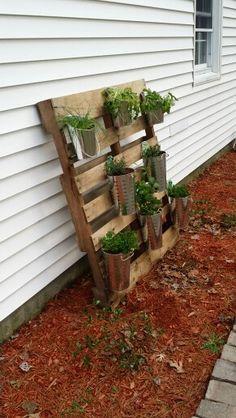Herb garden pallet project