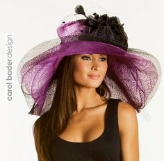 """""""Double colors - Del Mar Hat Co. Derby Outfits, Outfits With Hats, Fancy Hats, Cool Hats, Kentucky Derby Outfit, Derby Day, Love Hat, Red Hats, Girl With Hat"""