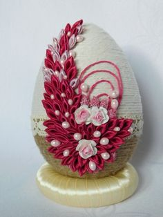 allegro Jute Crafts, Egg Crafts, Easter Crafts, Christmas Crafts, Ribbon Art, Diy Ribbon, Band Kunst, Easter Egg Designs, Christmas Cover