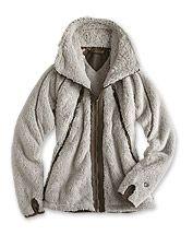 Enjoy soft, insulating warmth in this distinctly feminine women's fleece jacket by Kuhl.