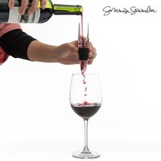 If you are a wine lover and you like to enjoy it in its best conditions, don't miss out the Refined Summum Sommelier wine aerator. This glass aerator will oxyge Decanter, Kitchen Gadgets, Red Wine, Wine Glass, Alcoholic Drinks, Wine Lover, Concept, Shop, Gourmet