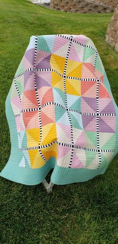 Quilt Kits featuring the fabrics of the Kaffe Fassett Collective Scrappy Quilts, Easy Quilts, Mini Quilts, Quilting Projects, Quilting Designs, Quilting Ideas, Contemporary Quilts, Quilt Modern, Modern Quilting
