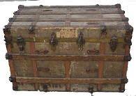 Antique Steamer Trunks History flat top trunk photos