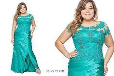 Resultado de imagem para vestidos longos plus size para casamento