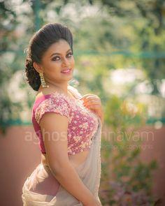 Telugu Cinema Actress Karunya Chowdary Photos - Karunya Chowdary Glam Stills Beautiful Girl Indian, Most Beautiful Indian Actress, Beautiful Girl Image, Beautiful Saree, Beautiful Actresses, Beautiful Roses, Beauty Full Girl, Beauty Women, Saree Photoshoot