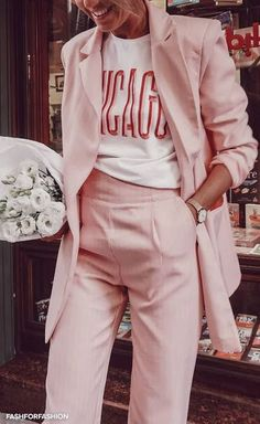 3 Ways to combine pastel pink in your 3 Manieren om pastel roze te combineren in je outfit Millenial pink Pink Outfits, Mode Outfits, Summer Outfits, Cute Casual Outfits, Classic Outfits, Short Outfits, Chic Outfits, Mode Style, Style Me