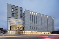 Completed in 2017 in Iowa City, United States. Images by Tim Griffith, Adam Hunter, Arturo Rojas. VISION The Voxman Music Building celebrates musical performance at every turn, embracing a collaborative and exploratory student-driven model of...