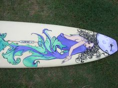 One of the first boards I painted for an actual customer:) loved this one Surfboard art #Mermaid #Surfboard