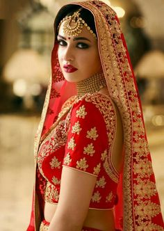 Shop stylish red color designer lehengas online from best range of colorful designer lehenga choli at zaraafab online shopping store uk. Find new collection of red lehenga choli, designer red lehenga in different patterns and designs. Indian Bridal Fashion, Indian Bridal Makeup, Indian Bridal Wear, Wedding Makeup, Wedding Bride, Bride Groom, Bridal Poses, Bridal Photoshoot, Bridal Outfits