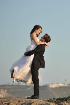 Enter to win an Artistic Wedding Videography Package worth $4850!
