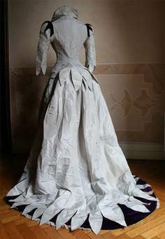 Evening dress, ca 1888, Abiti Antichi
