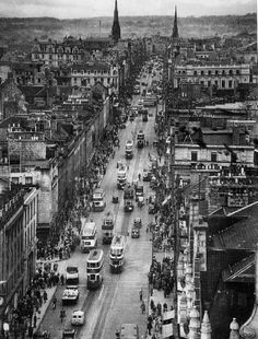 Union Street, Aberdeen in the 1950s. It's changed a bit since then! Now you can find #IceDelight at Peckhams,Aberdeen. Hooray!