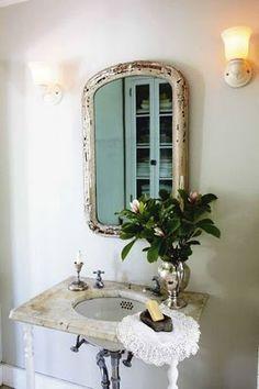 Small bathroom delight.