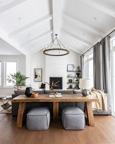 Vaulted Living Rooms, Living Room Modern, Home Living Room, Living Room Designs, Living Area, Simple Living Room, Living Room Trends, Kitchen Living, Small Living