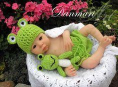 NEU Baby-Set Frosch Mütze+Höschen