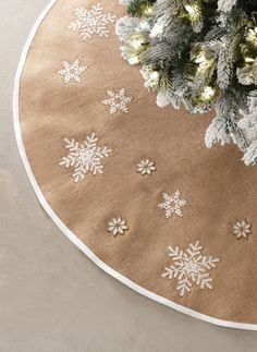 Beautiful burlap tree skirt. HomeDecorators.com #holiday2015