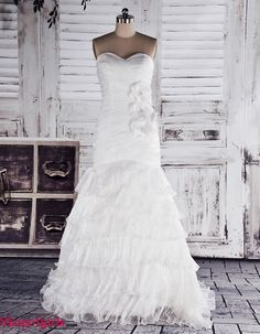 Amazing Stunning Mermaid Sweetheart Flower Decorated Tulle Ruffle Discount Wedding Dress