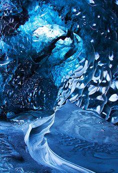 氷の洞窟                                                                                                                                                                                 もっと見る